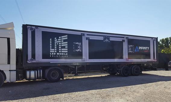 Camiones corporativos, rotulación personalizada